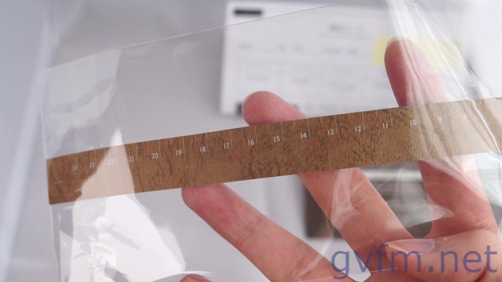 手首の長さを測るメジャー